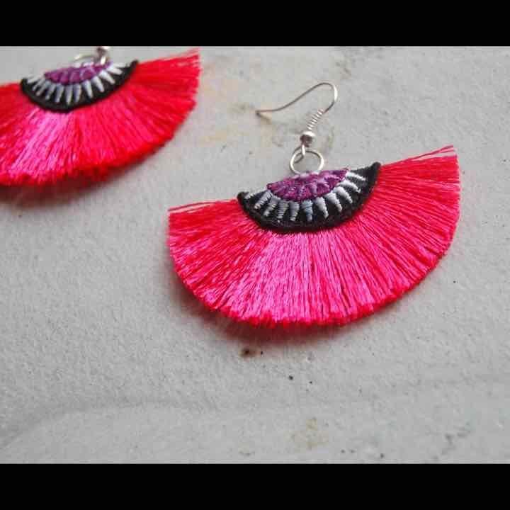 New hot pink fan silk earrings