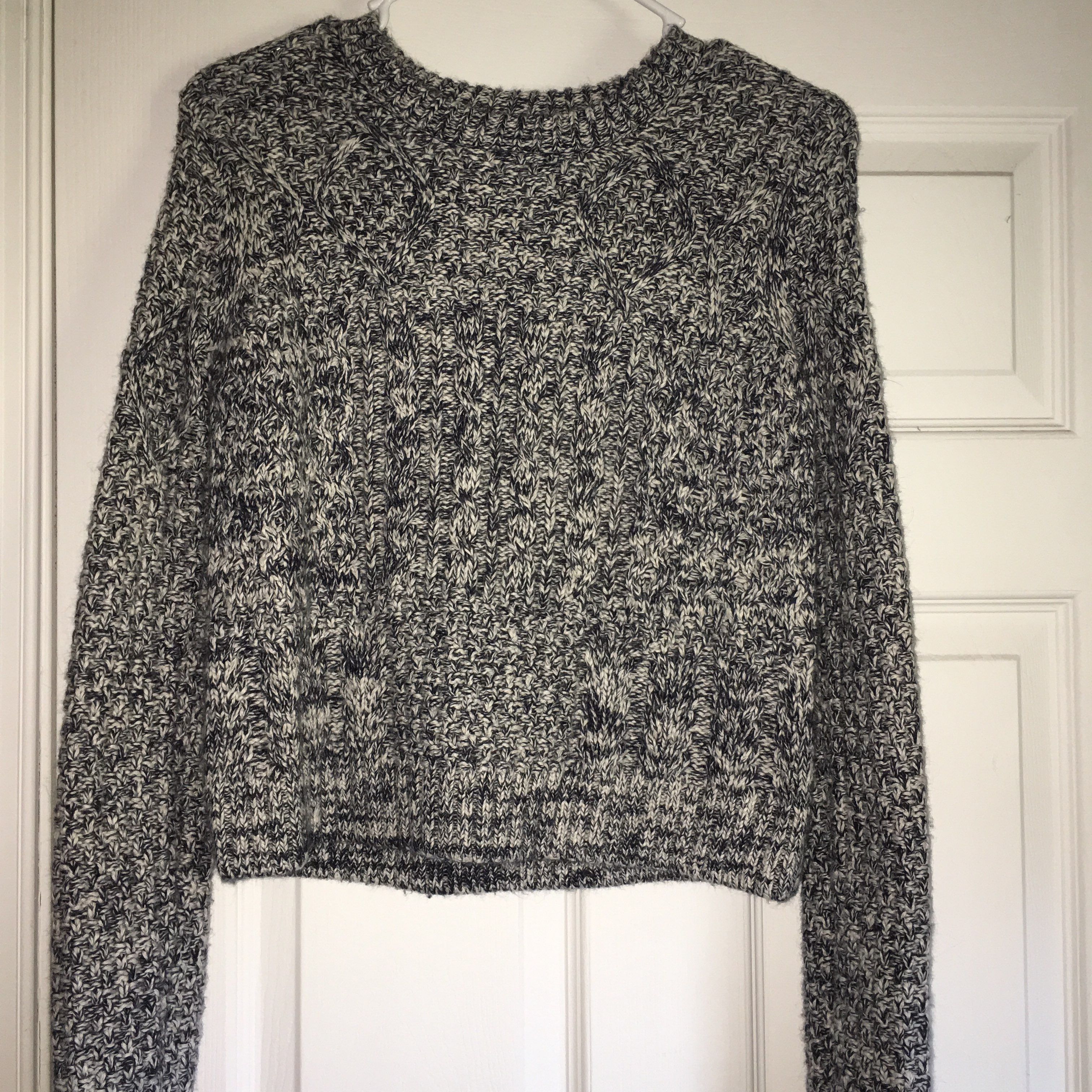 Cute Chunky Knit Cropped Sweater - Mercari: BUY & SELL THINGS YOU LOVE