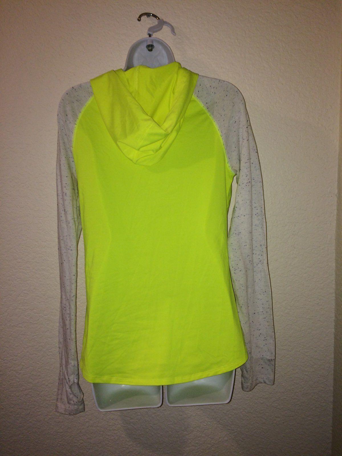 NWOT VS PINK Lightweight Sweater/Hoodie - Mercari: BUY & SELL ...