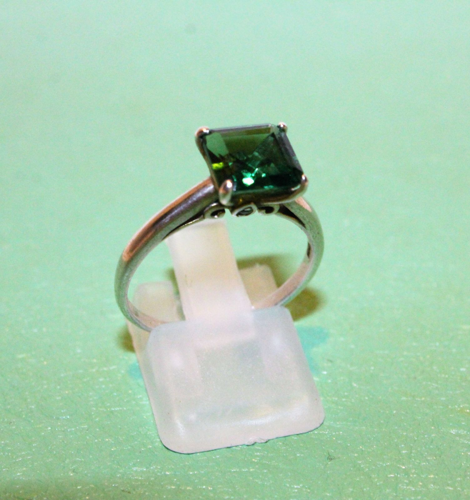 GREEN EMERALD CUT STERLING SILVER RING