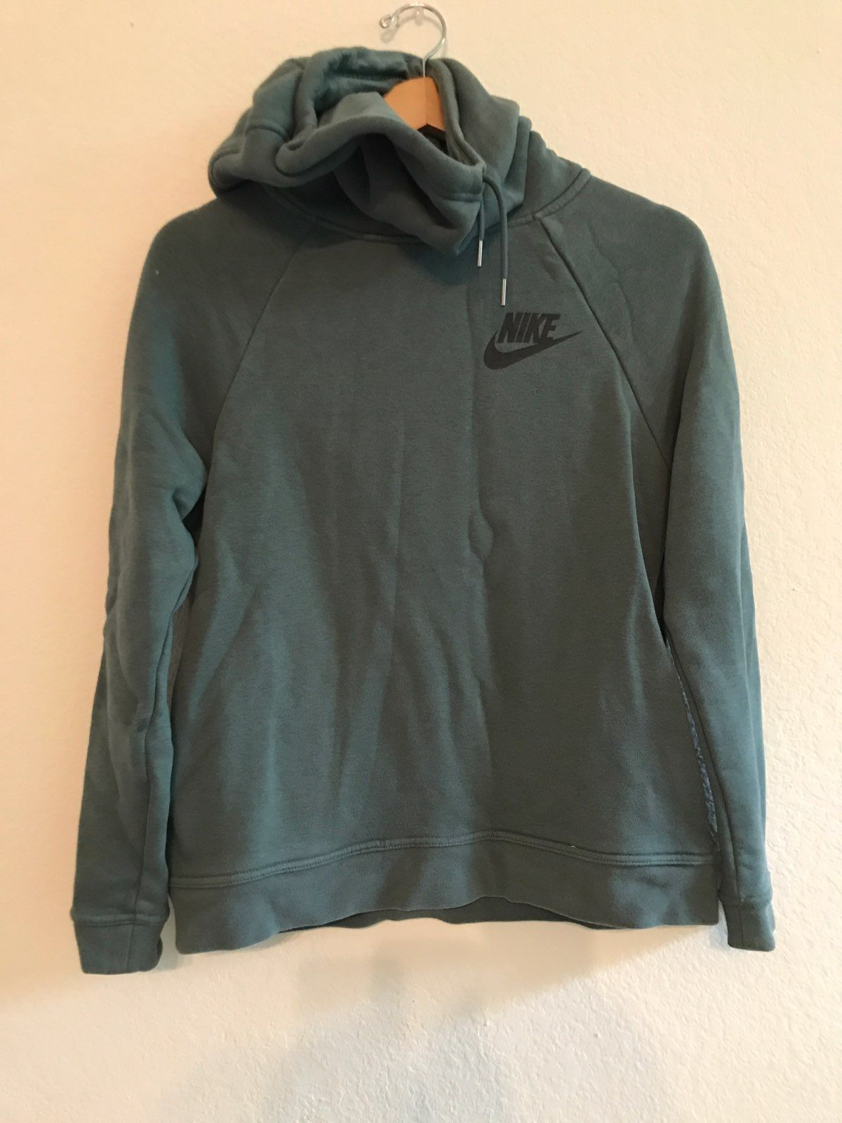 Women's Nike Hooded Pullover Sweater S - Mercari: BUY & SELL ...
