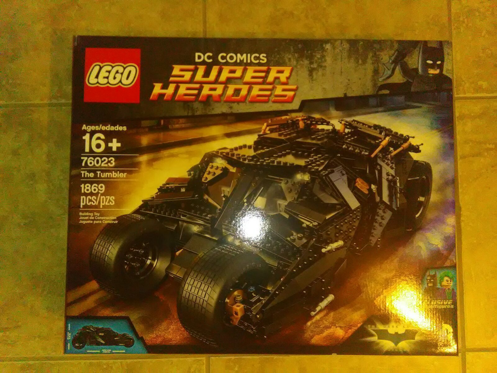 Brand new Batman Tumbler Lego Set #76023