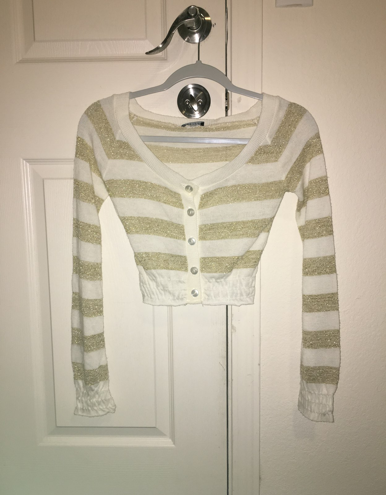 White And Gold Crop Sweater - Mercari: BUY & SELL THINGS YOU LOVE