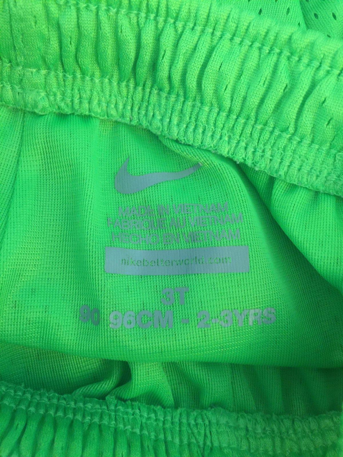Nike Boys Size 3T Shorts