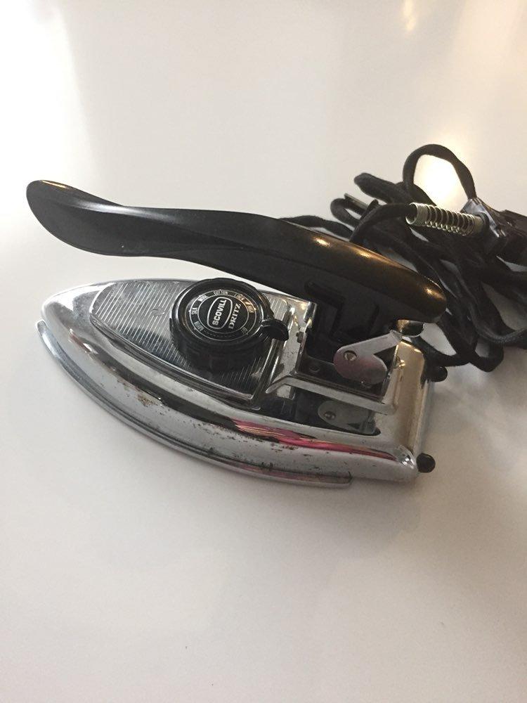 Vintage Scovill Dritz Travel Iron