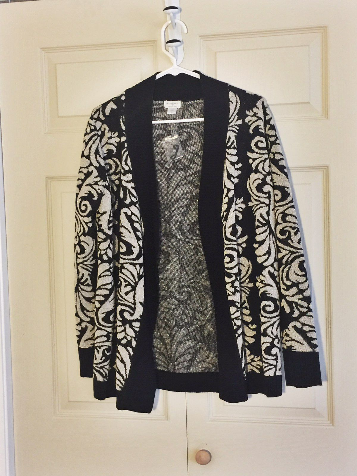 Oversized Black And Gold Sweater - Mercari: BUY & SELL THINGS YOU LOVE