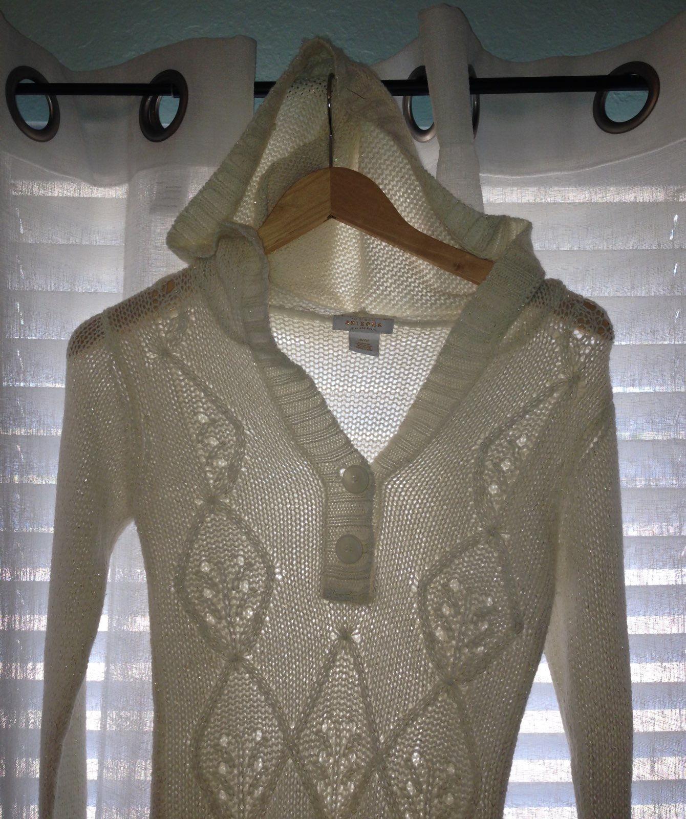 Cream Hooded Sweater Small - Mercari: BUY & SELL THINGS YOU LOVE