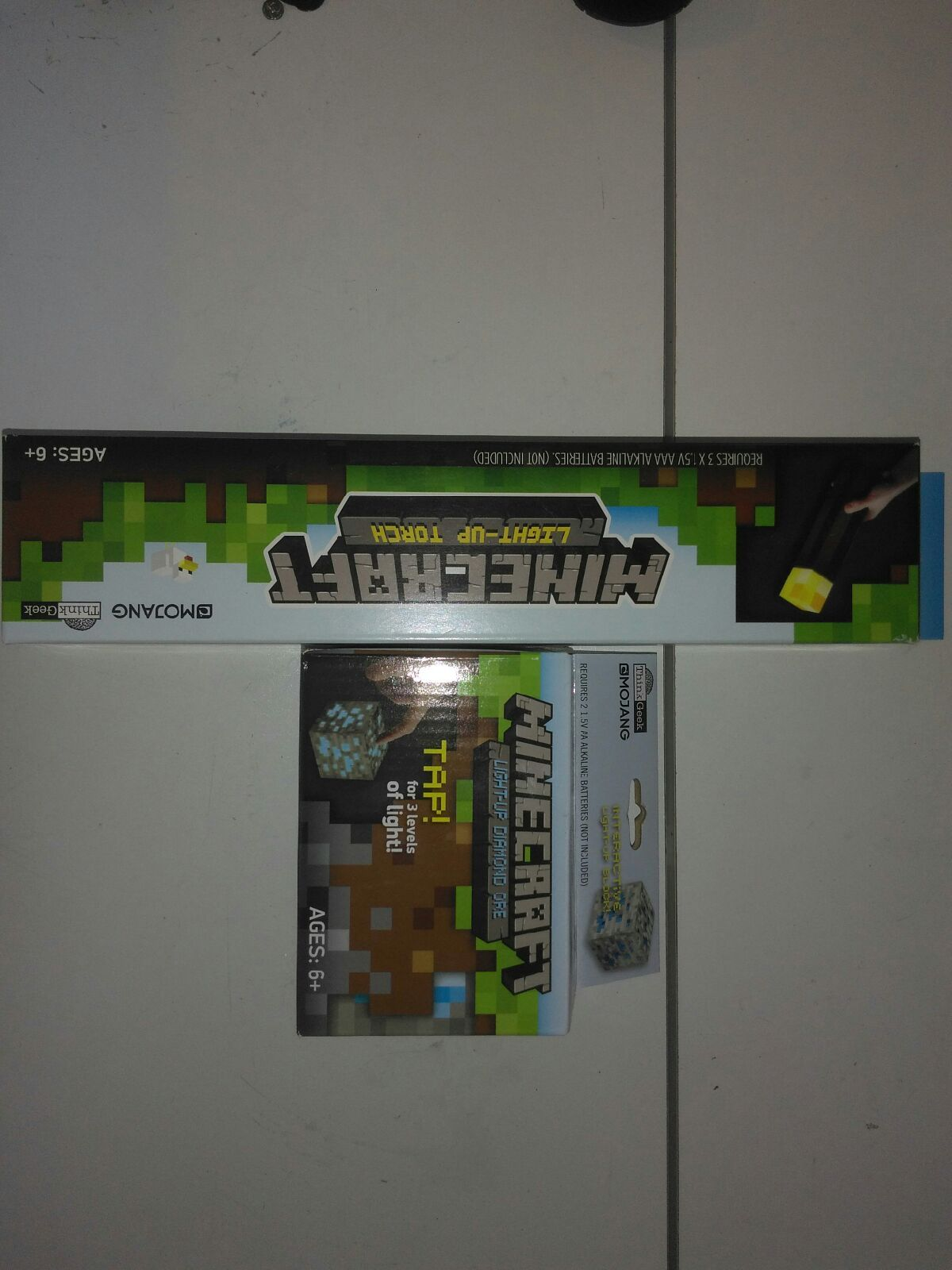 Minecraft light up torch and diamond ore