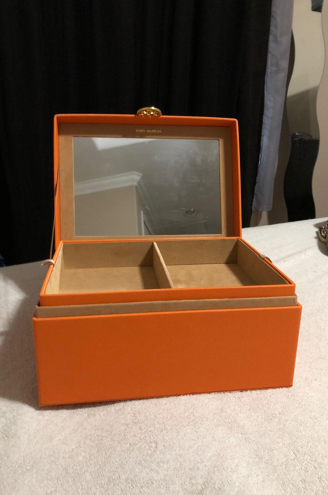 Tory Jewelry Box Style Guru Fashion Glitz Glamour Style unplugged