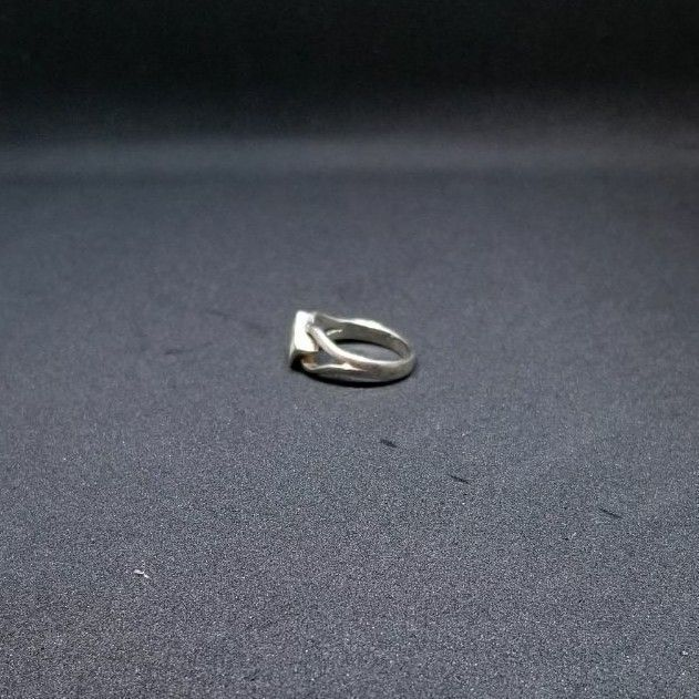 Sterling silver, mother of pearl ring