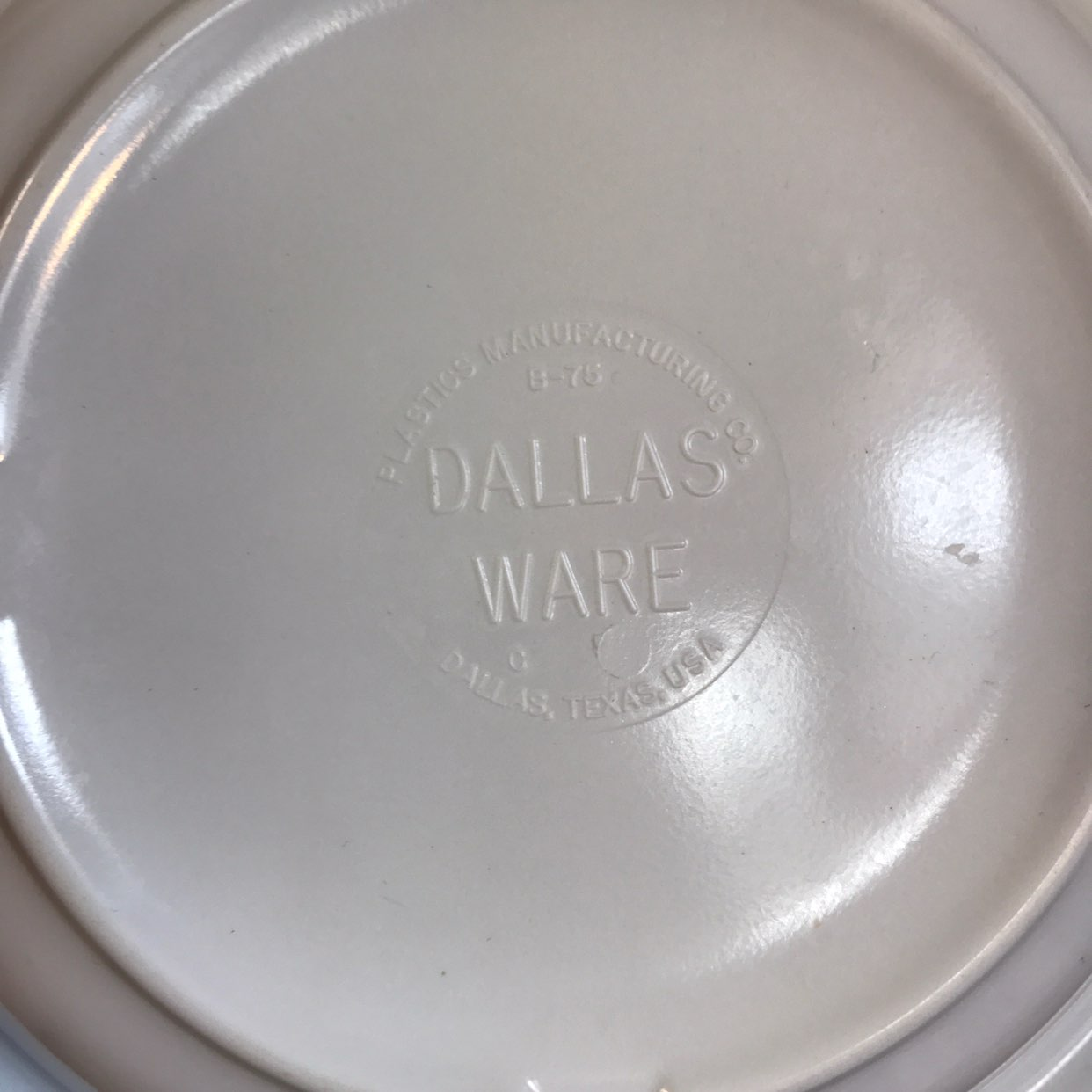 Set of 9 Dallas Ware Melamine Bowls
