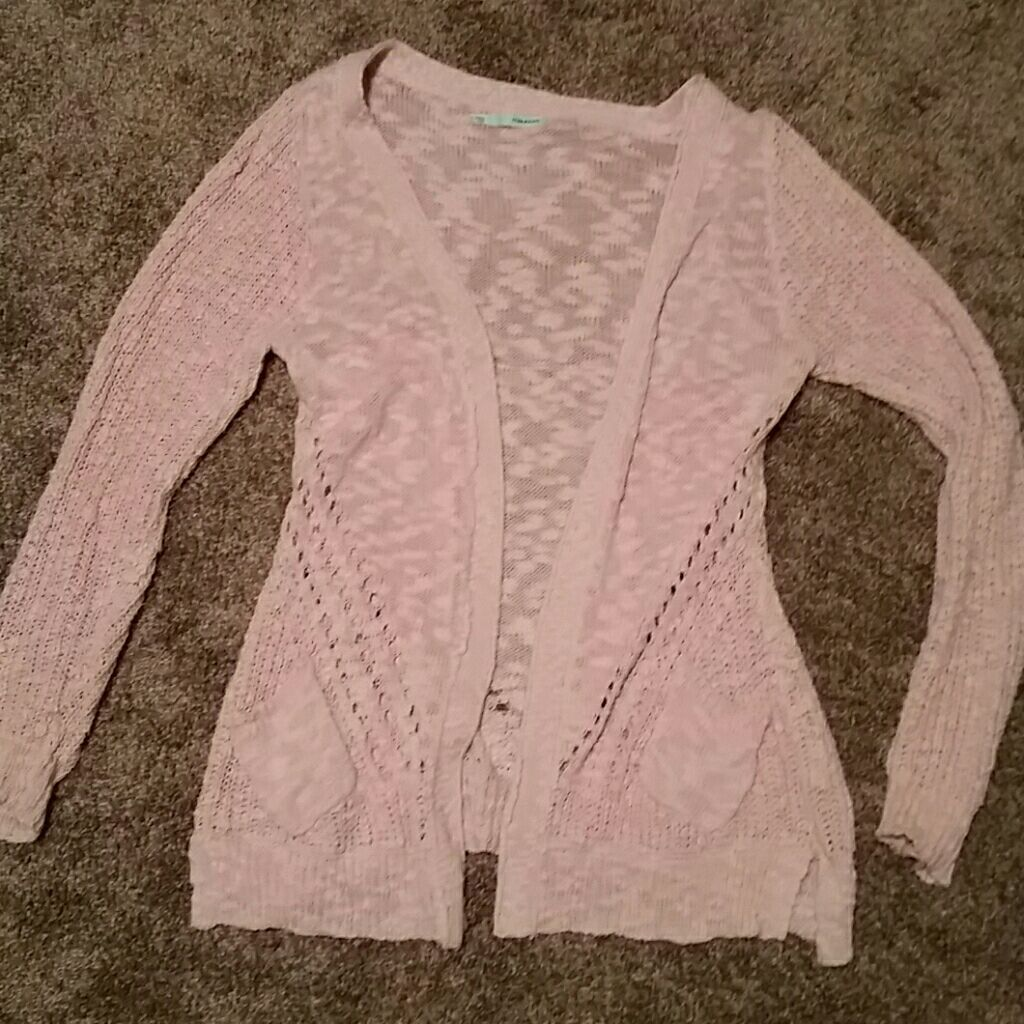 Pink sweater - Mercari: BUY & SELL THINGS YOU LOVE