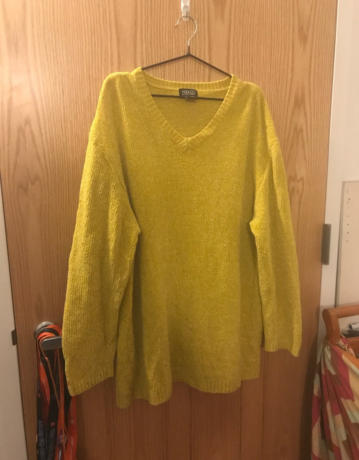 NY&CO YELLOW/GREEN SWEATER (SIZE XL) - Mercari: BUY & SELL THINGS ...