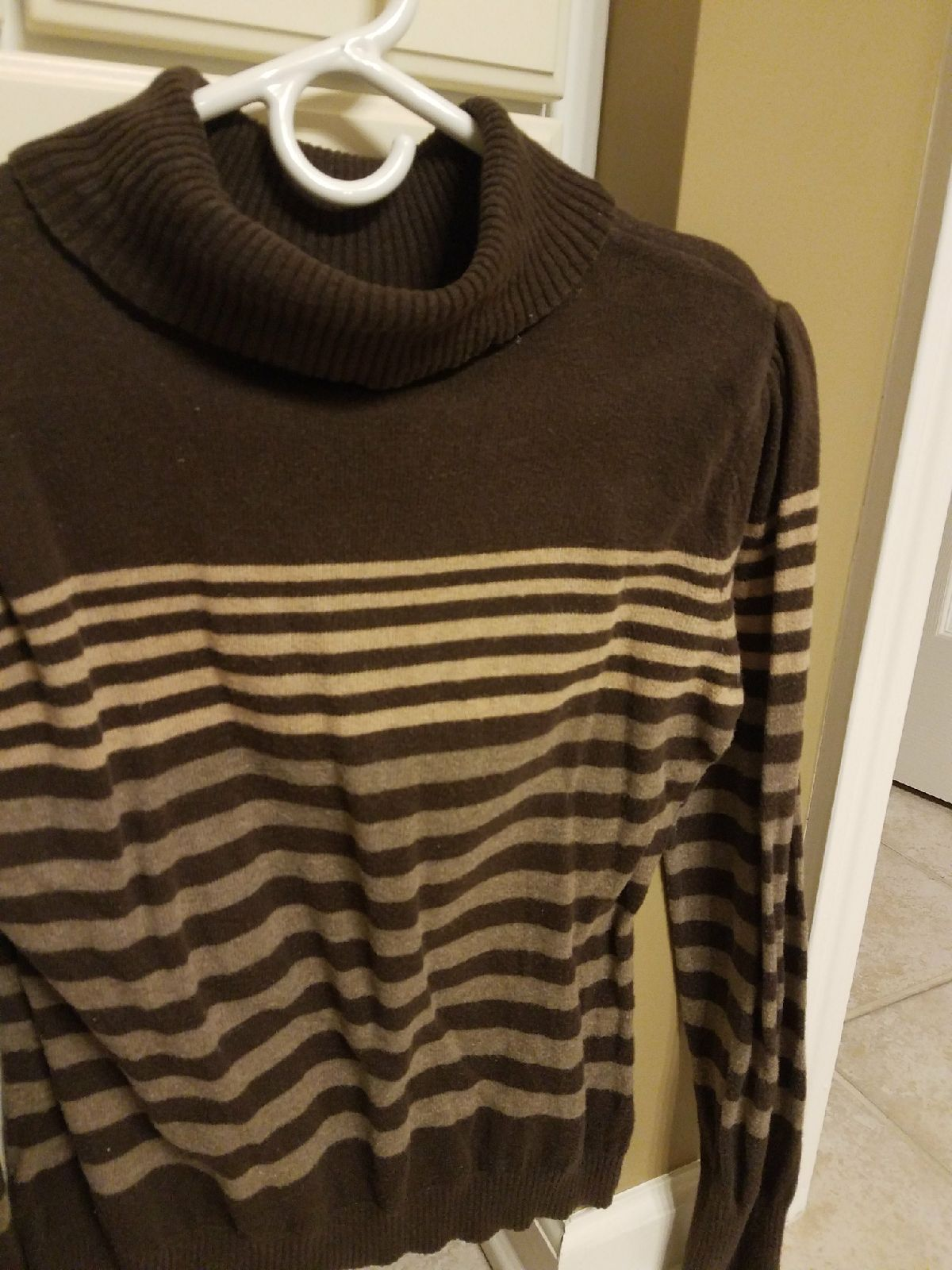 Womens petite size medium brown sweater - Mercari: BUY & SELL ...