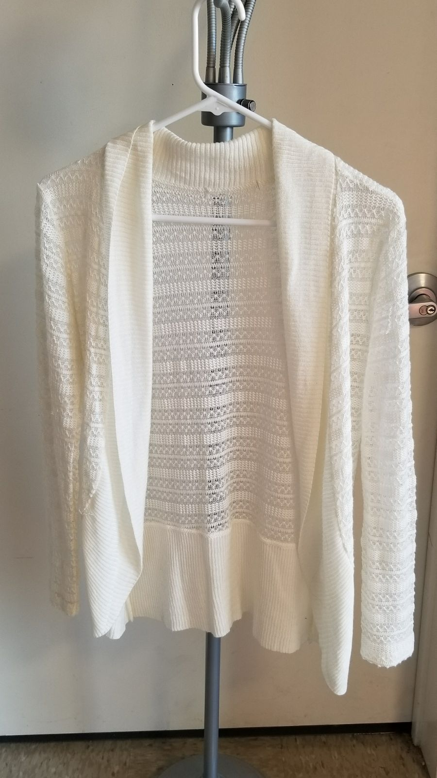 Cream lace cardigan - Mercari: BUY & SELL THINGS YOU LOVE