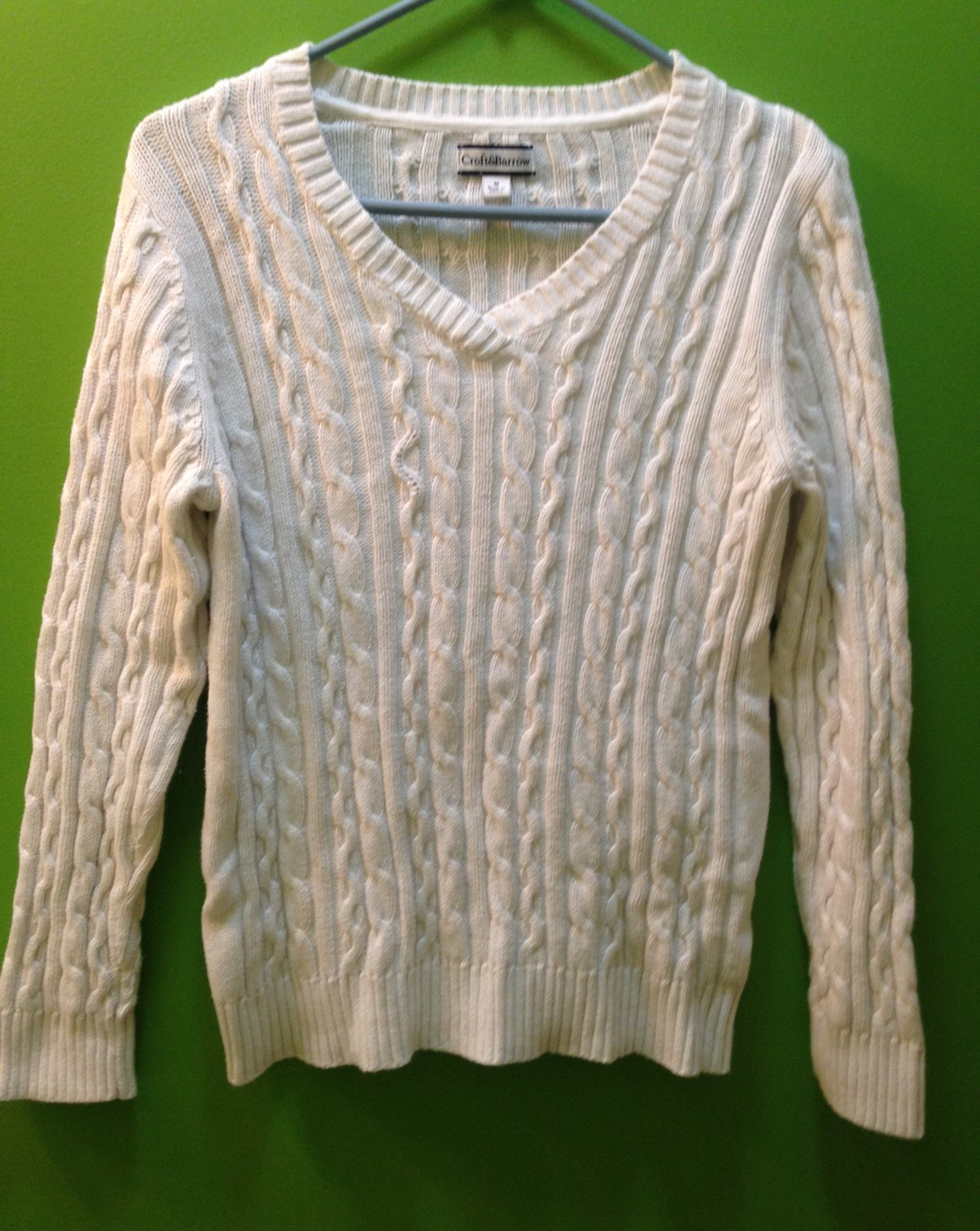 White Size Medium Cable Knit Sweater - Mercari: BUY & SELL THINGS ...