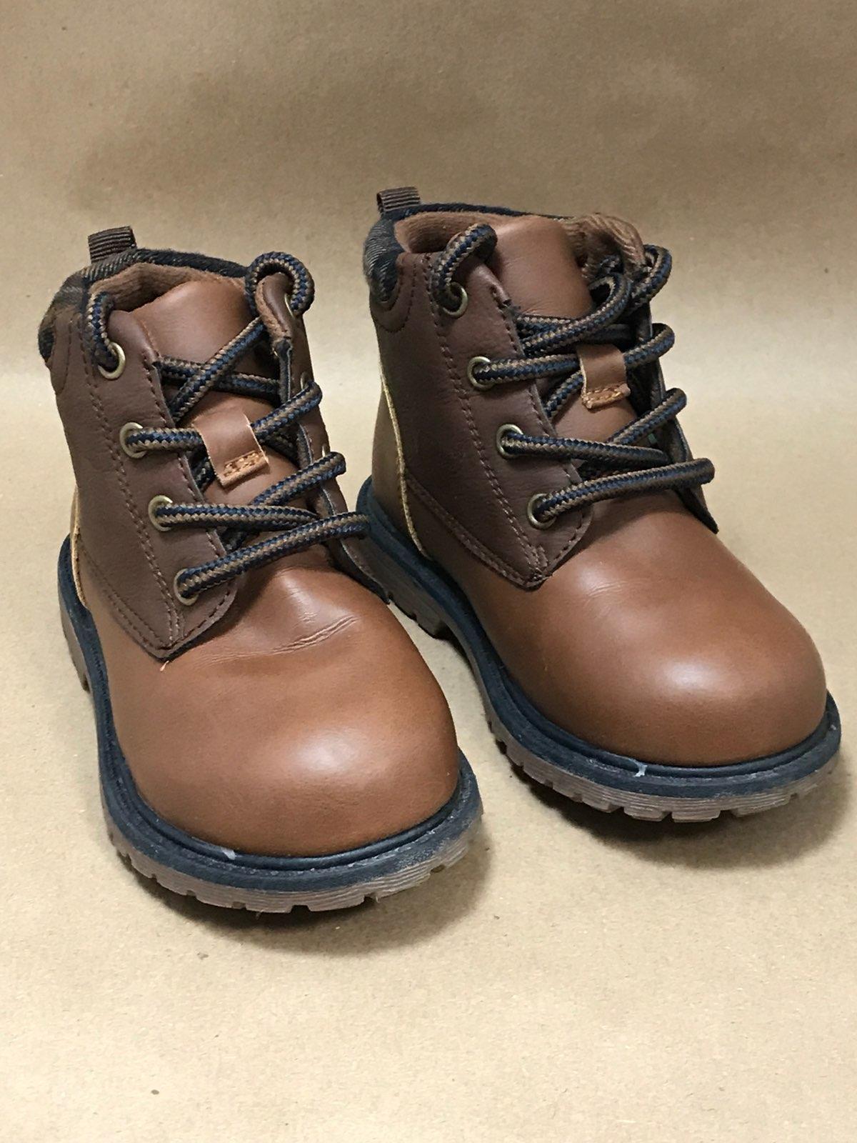 1da803e4a39d Oshkosh brown toddler boots Size 7 - Mercari  The Selling App