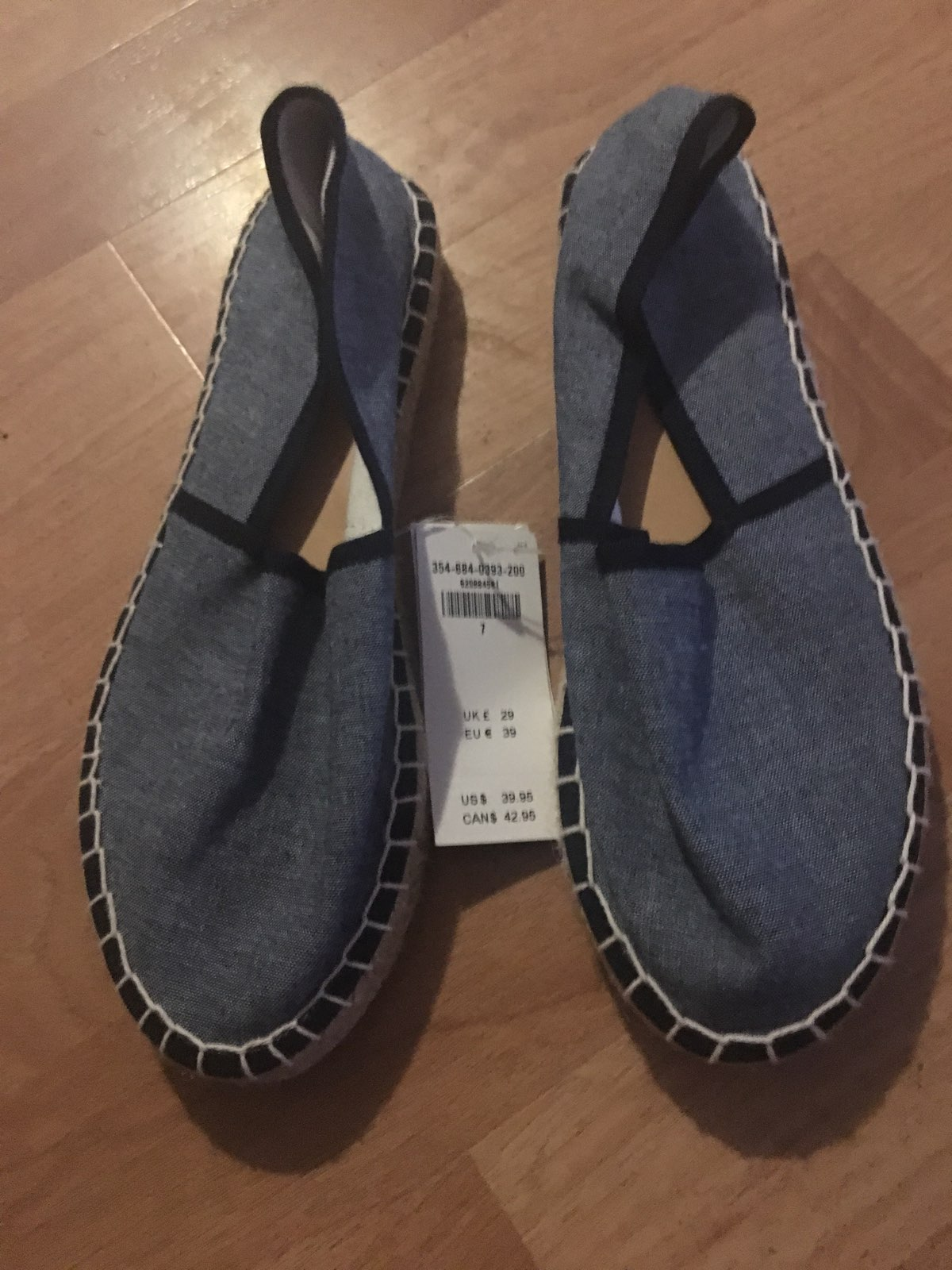 Women Hollister Slip On Shoes Sz 7 New