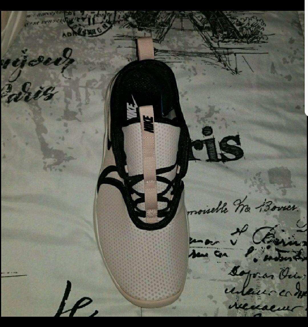 Nike Modem Pinnacle Style #926586600