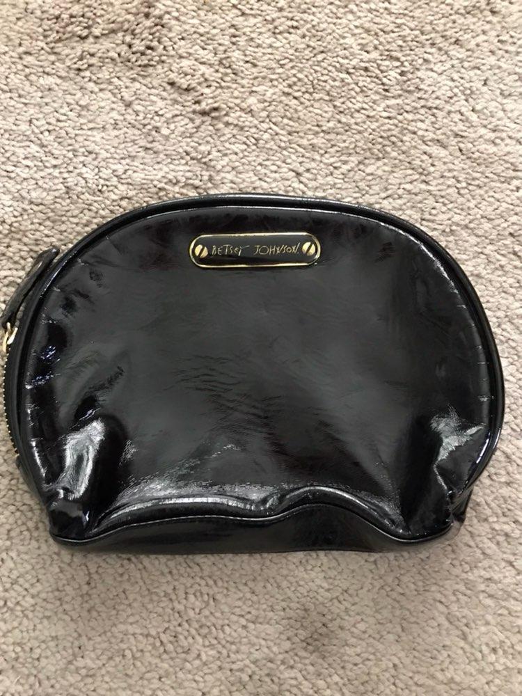 Betsey Johnson Makeup Bag - Mercari: The Selling App