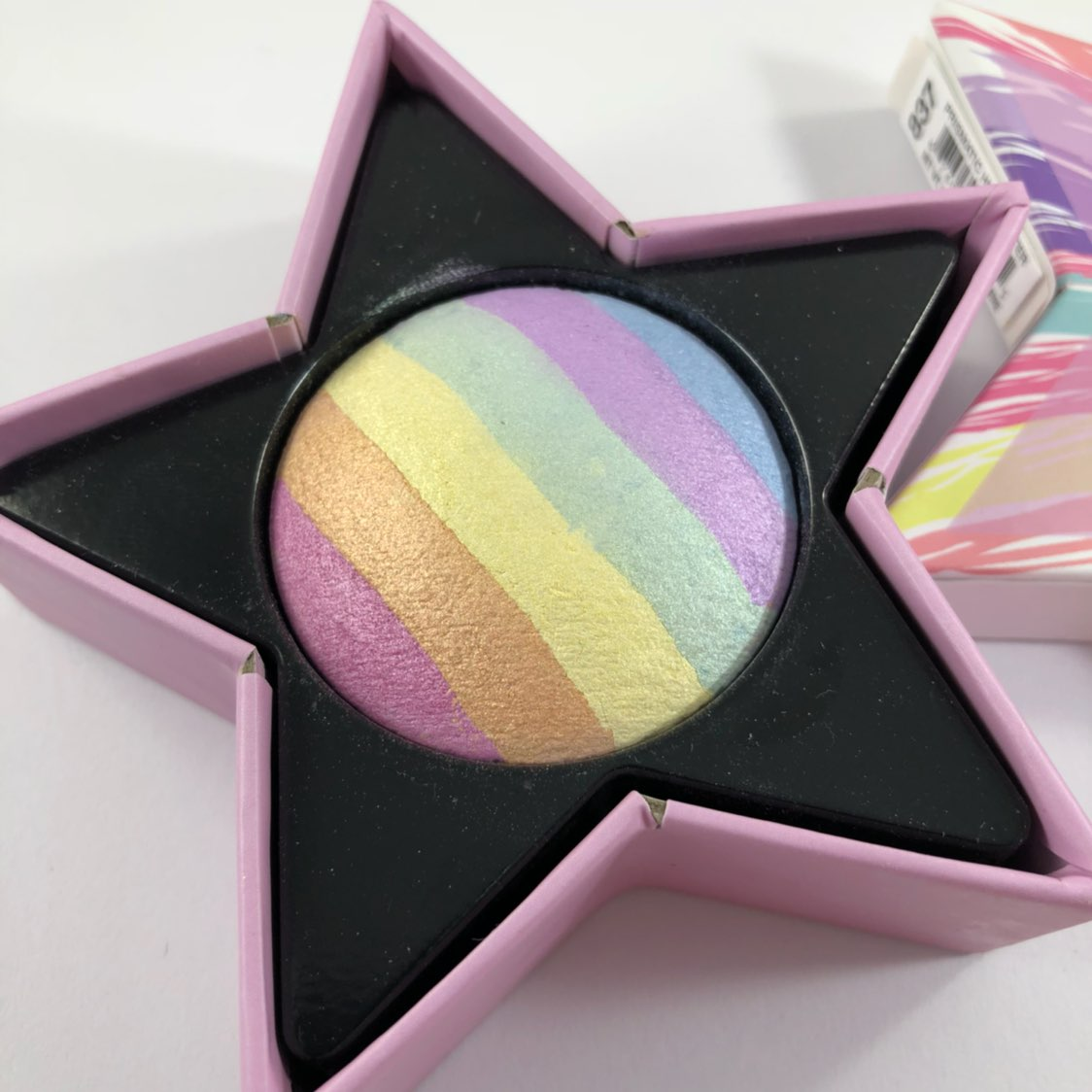 Hard Candy Trolls Rainbow Highlighter
