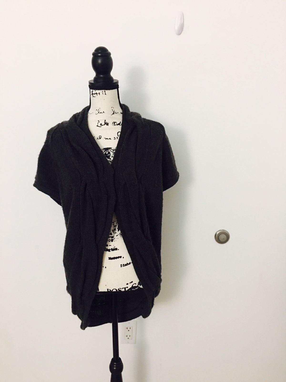 Isda & Co chunky short sleeve cardigan - Mercari: BUY & SELL ...