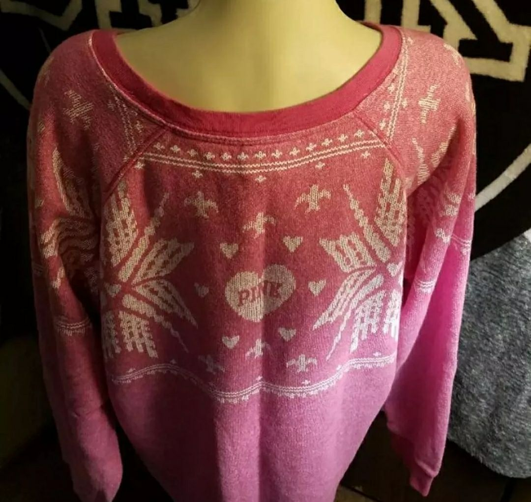 Vs pink logo Christmas Sweater medium - Mercari: BUY & SELL THINGS ...