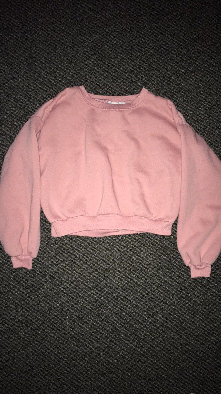 Cropped Pink Sweater - Mercari: BUY & SELL THINGS YOU LOVE