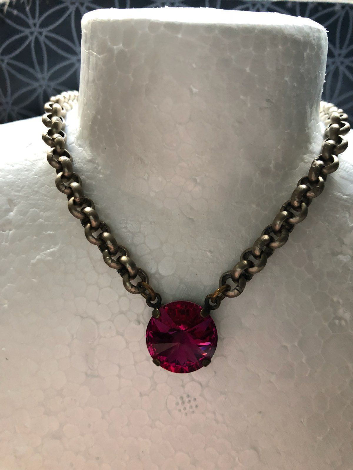 Sabika look necklace - Sabika Fuchsia Single Stone Necklace