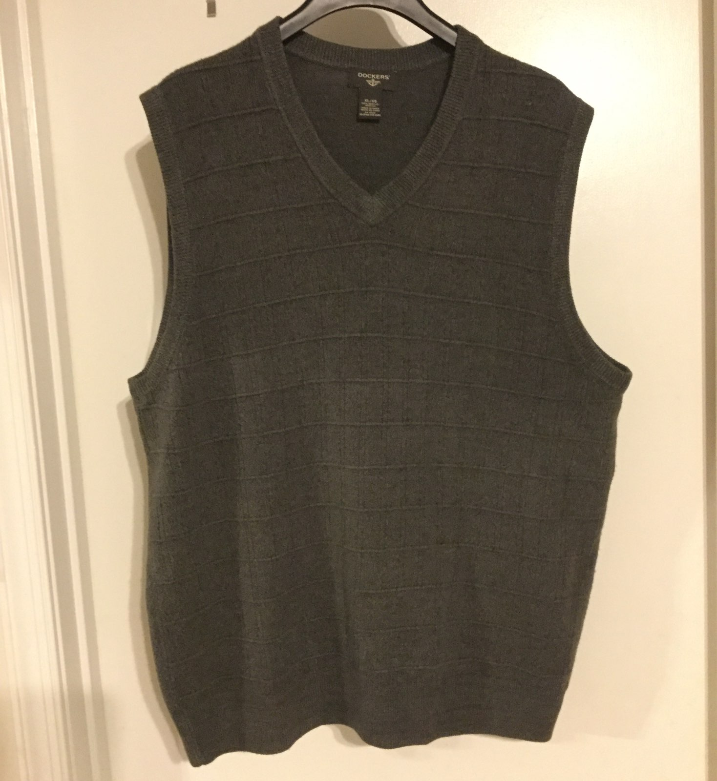 Men's Dockers Sweater Vest Size XL Gray - Mercari: BUY & SELL ...