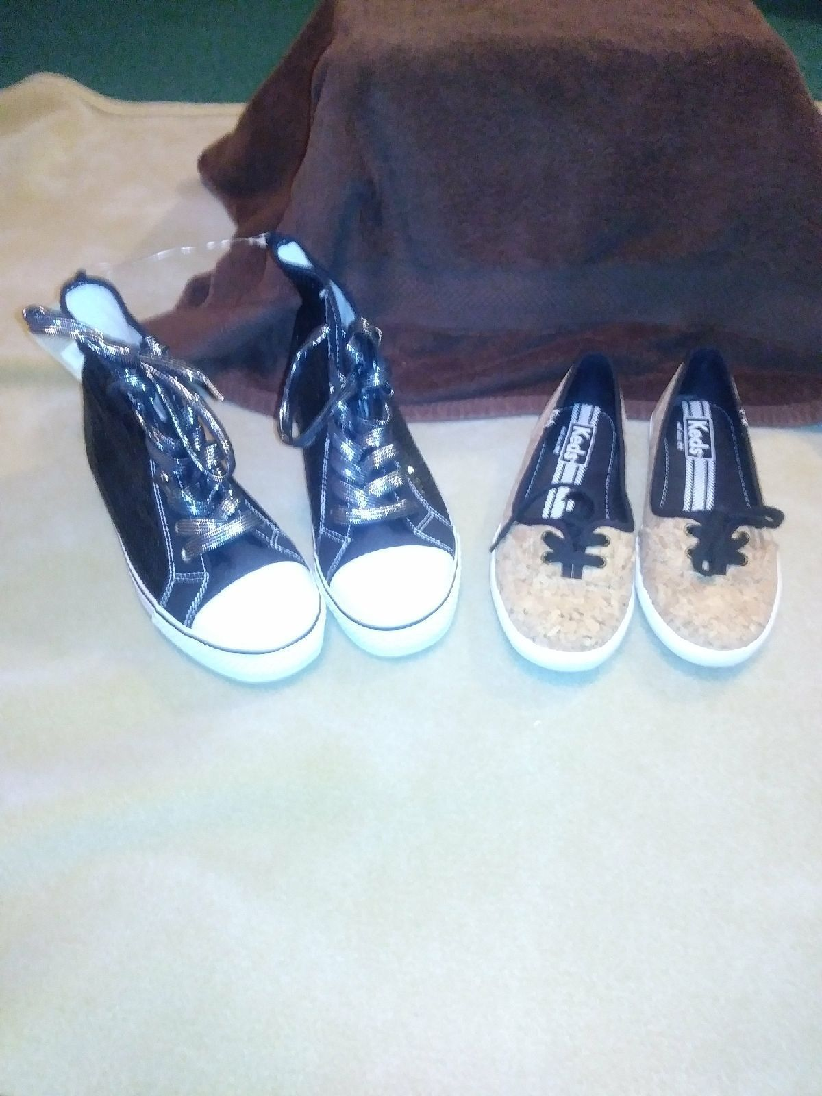 Two Pair Tennis Shoes Mercari Things You Love