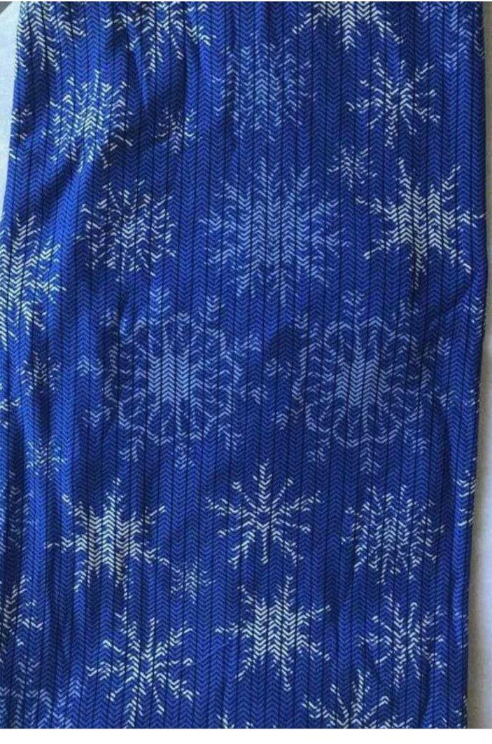 Lularoe Holiday tc2 snowflakes - Mercari: BUY & SELL THINGS YOU LOVE