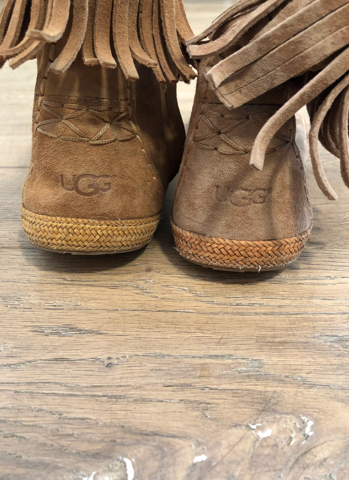 Ugg Moccasin Light Brown, Size 7