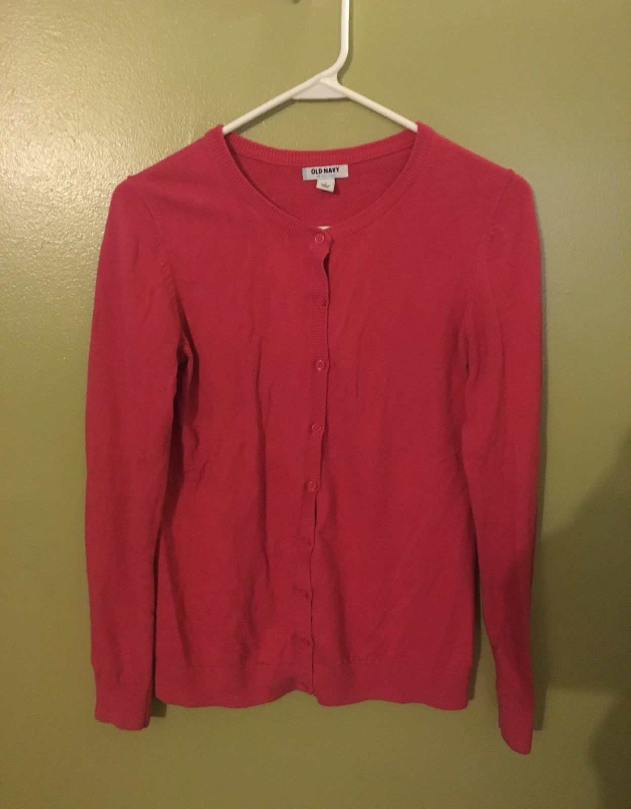 Free Ship. Pink Sweater - Mercari: BUY & SELL THINGS YOU LOVE