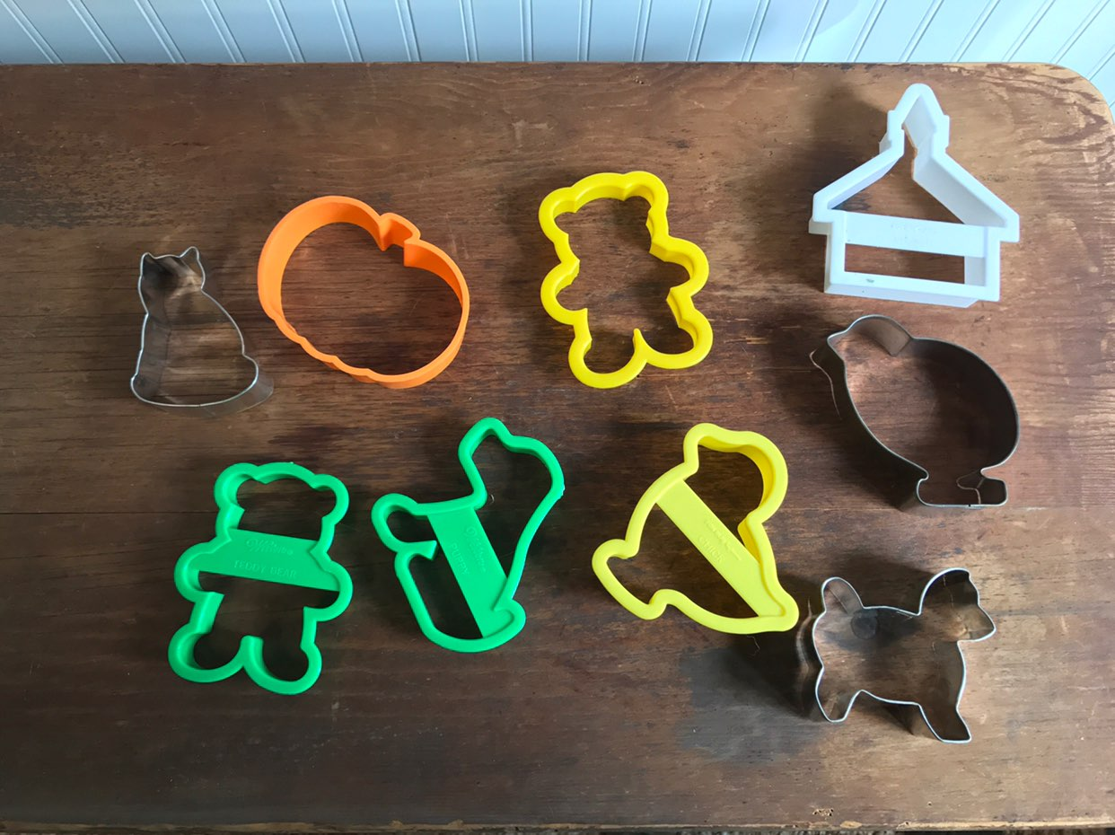 Lot of 9 Easter Cookie Cutters Misc