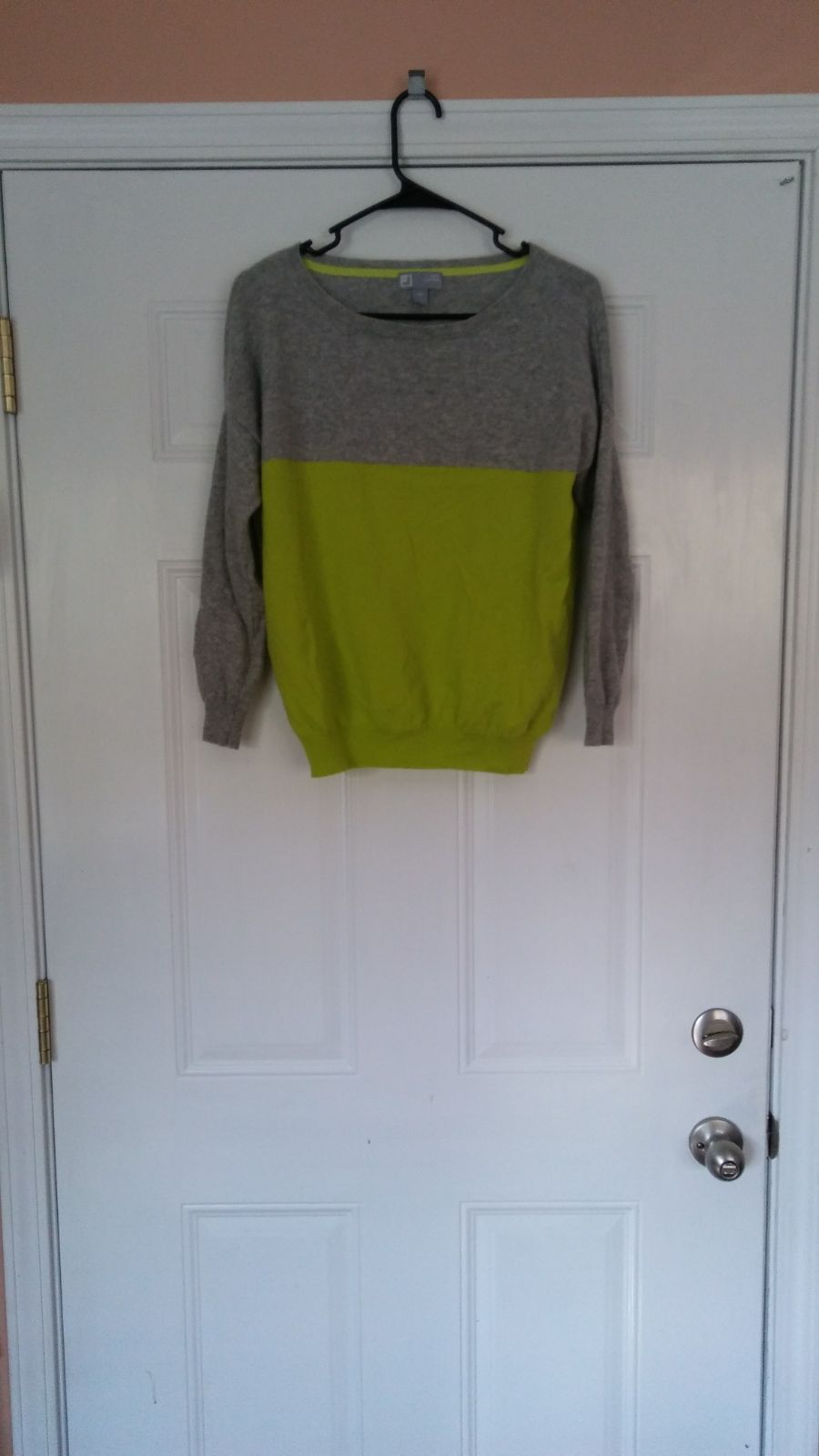 100 percent cashmere sweater. NWOT! - Mercari: BUY & SELL THINGS ...