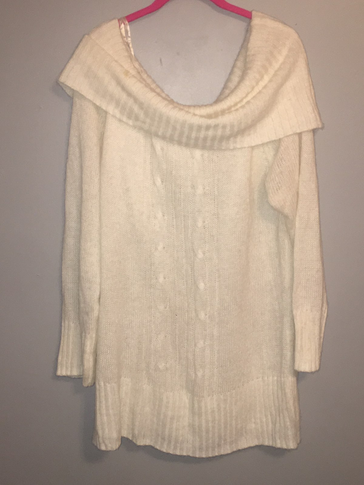Superrr Cute Sweater - Mercari: BUY & SELL THINGS YOU LOVE