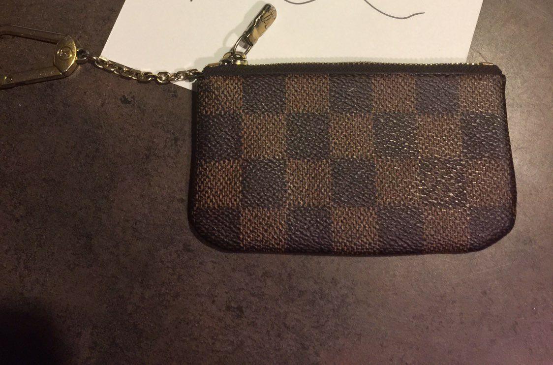 Authentic Louis Vuitton Cles