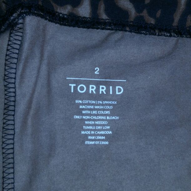 Torrid leopard animal print leggings