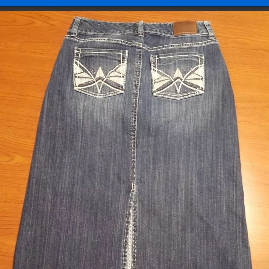 Maurices Long Jean Skirt Size 5 6