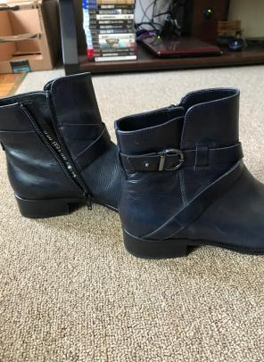Gabor Boots Size 7 1/2 for sale