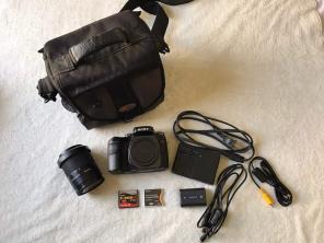 Sony A100 DSLR 12mp Camera for sale