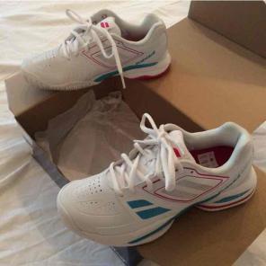 Babolat tennis shoe. Size 6 for sale