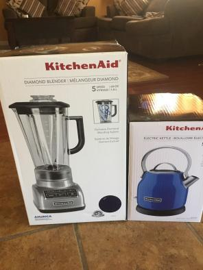 Kitchen Aid  Blender And Electric Kettle for sale
