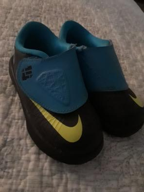 cheap for discount c1051 dde3e Toddler 4c Nike LeBron sneakers soft - Mercari  BUY   SELL THINGS YOU LOVE