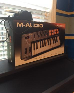 Used, M-Audio Midi Keyboard Oxygen 25 for sale