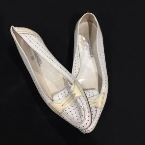 ce237cda33a8 Chanel White Leather Slip On Flats