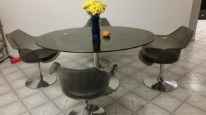 Saarinen Knoll tulip table and chair set for sale